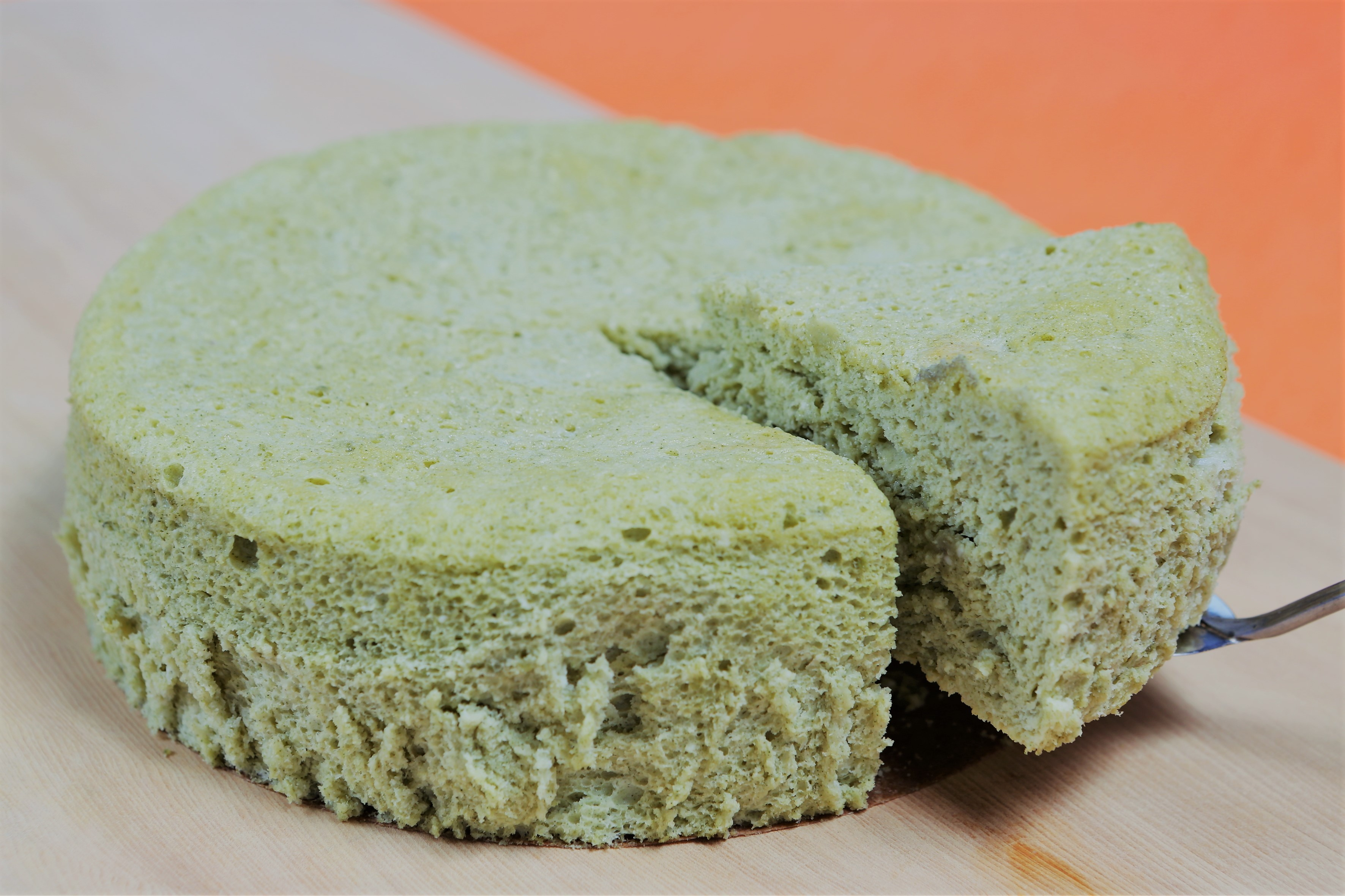 モロヘイヤ粉末入りスフレチーズケーキ
